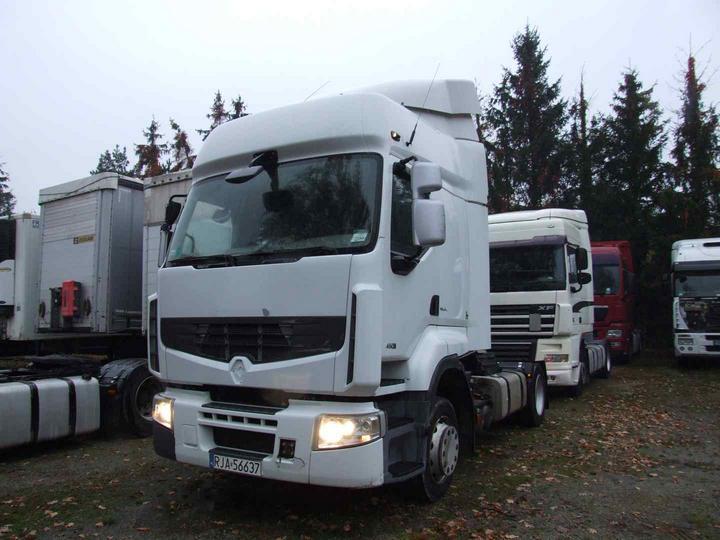 RENAULT 450 Premium Route E4